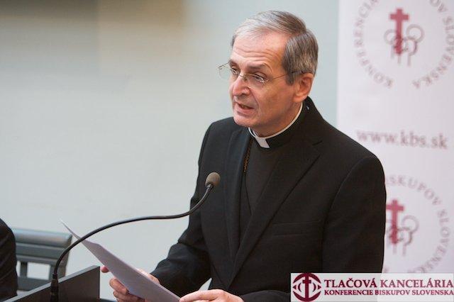 Abp Zvolenský: Władza ograniczyła wolność religijną